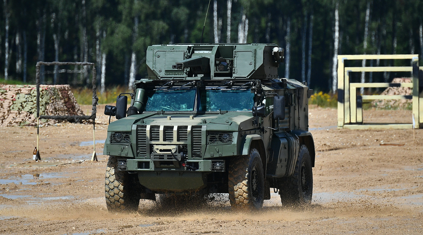 «Мобильность и ударные возможности»: чем уникален новый российский авиадесантируемый бронеавтомобиль «Тайфун-ВДВ»1