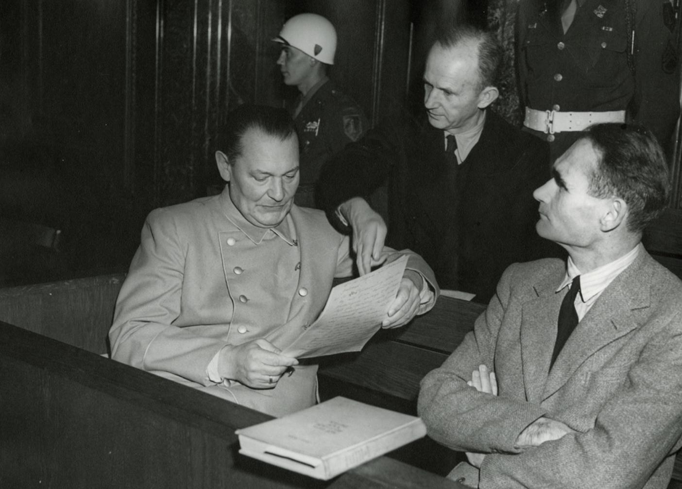 «Лондон до сих пор не раскрыл всех материалов»: как Рудольф Гесс улетел в Британию из Третьего рейха в 1941 году4