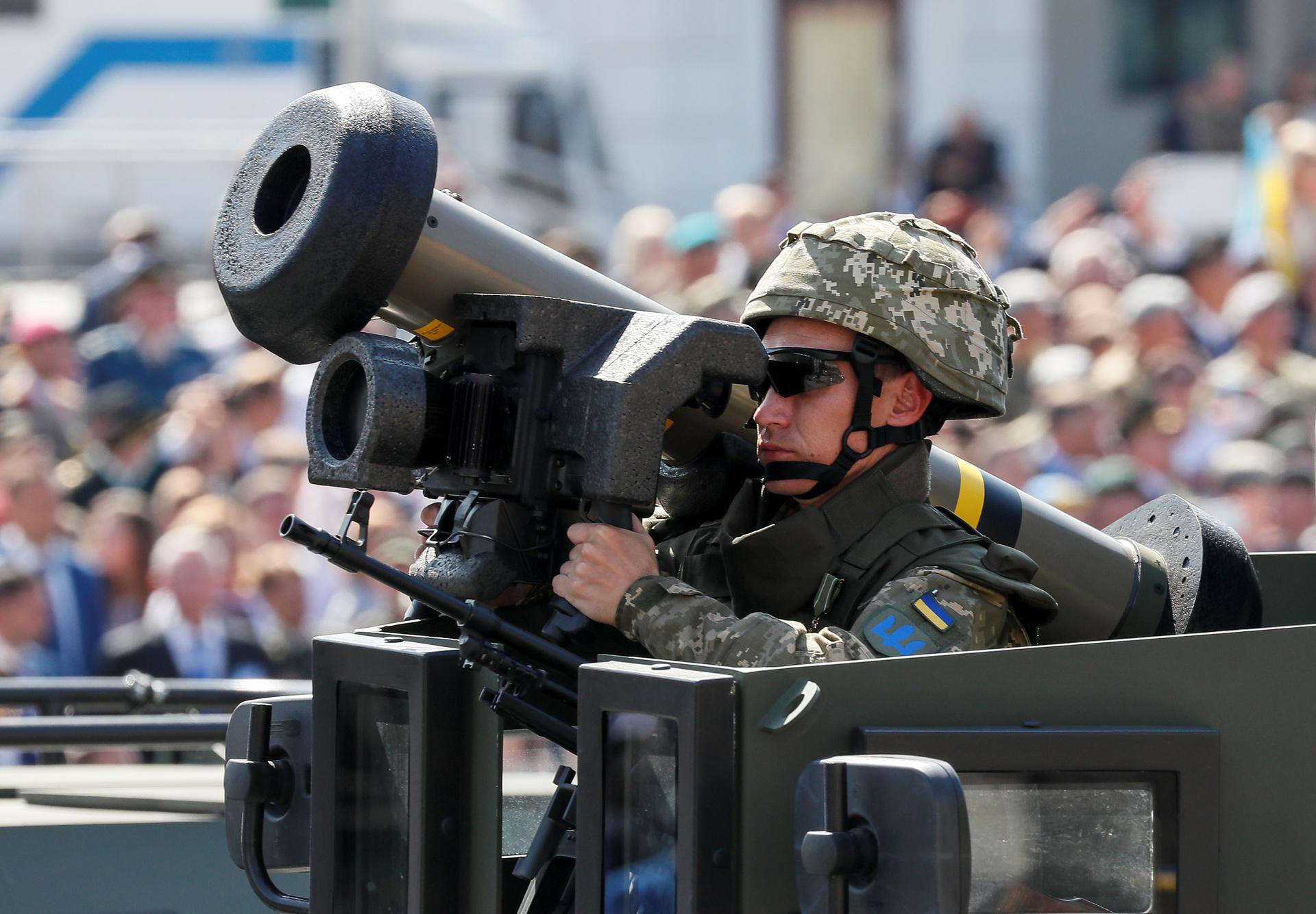 «Покупается лояльность Запада»: как Киев стремится привести ВСУ в соответствие со стандартами НАТО4