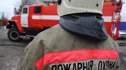 В Омской области загорелись три частных дома