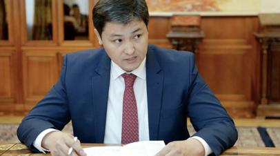 Премьер Киргизии пообещал восстановить разрушенные на границе дома