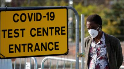 В Британии за сутки выявили 2493 случая коронавируса
