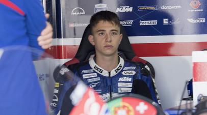 Несмотря на усилия медиков: 19-летний мотоциклист Дюпаскье скончался после страшной аварии на этапе Moto3