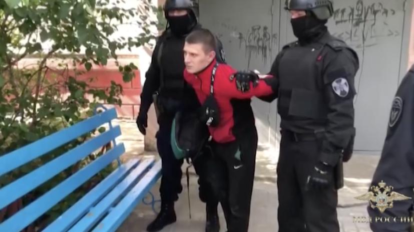 «При поддержке Росгвардии»: полиция задержала подозреваемых в хищении денег у ветерана, сидевшего с Путиным на параде