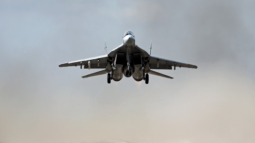В Болгарии истребитель пропал с радаров во время выполнения манёвров
