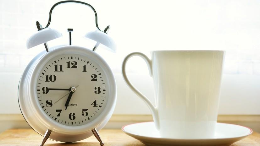 Россияне рассказали, куда чаще всего опаздывают и почему