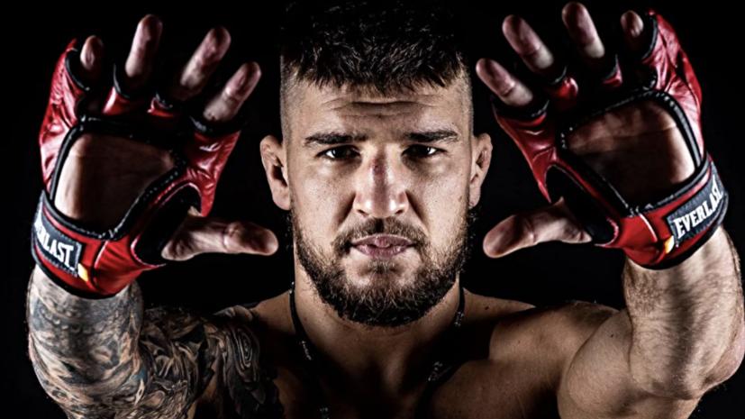 Украинский боец Амосов стал чемпионом Bellator в полусреднем весе