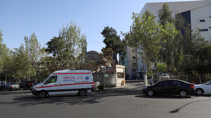 В Иране началась вакцинация национальным препаратом от COVID-19