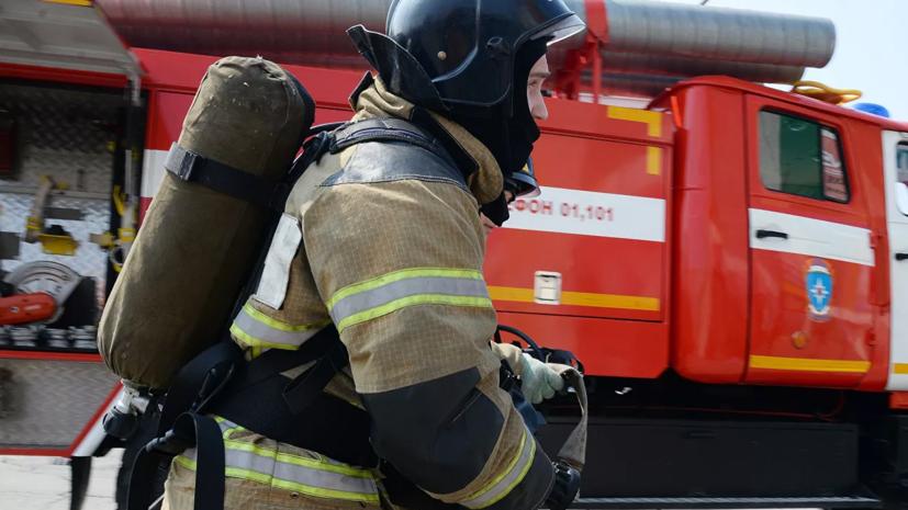 Пожар произошёл на территории предприятия по переработке древесины в Приморье