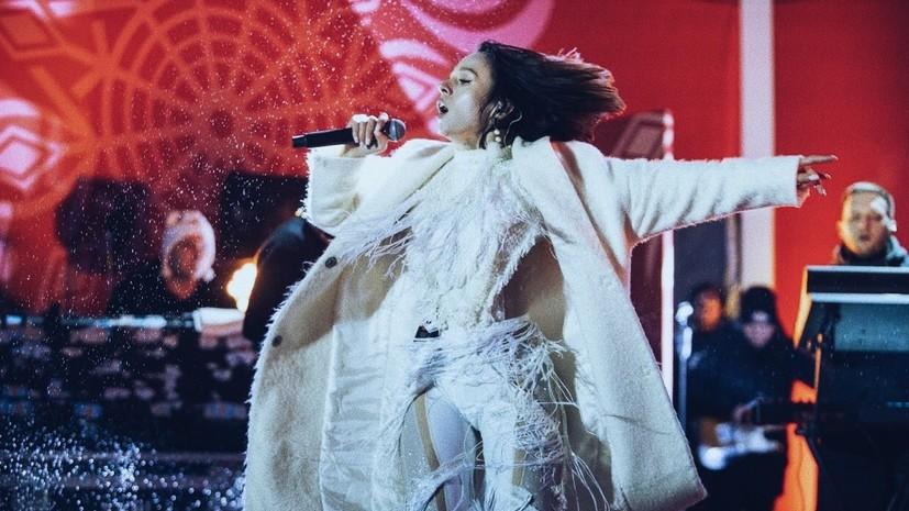 «Важно проявлять эмпатию по отношению к своим»: певица IOWA — o поддержке сборной России, критике фанатов и волонтёрстве