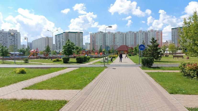 Собянин отменил запрет на использование скамеек в московских парках