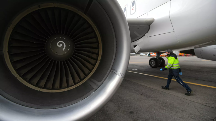 Пассажир выкатившегося за ВПП в Симферополе самолёта прокомментировал ЧП