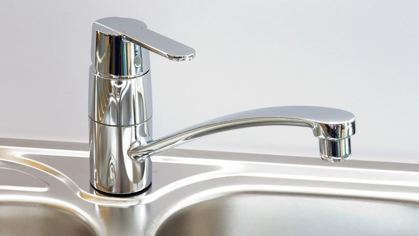 Москвичам посоветовали перекрывать воду во время профилактических работ