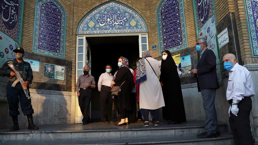 В Иране жители на протяжении 19 часов выбирали нового президента