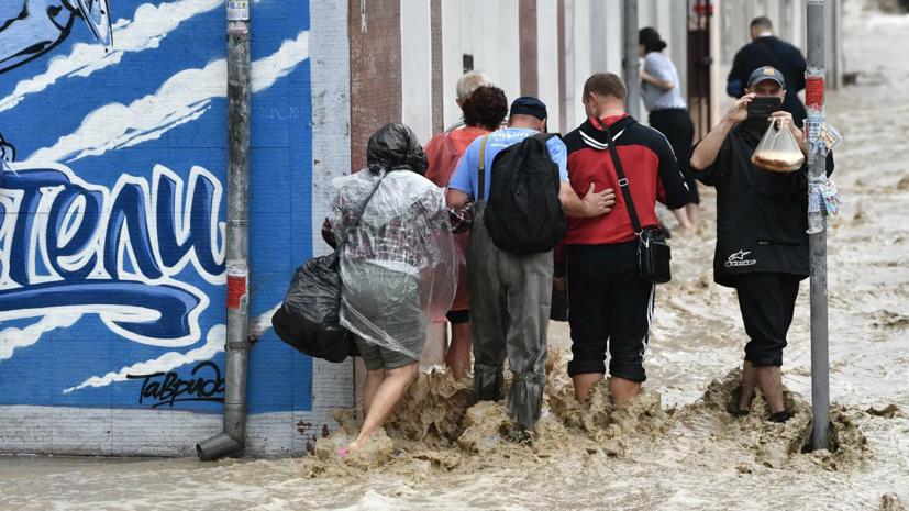 Группировку ЧФ усилили для помощи пострадавшим от стихии в Крыму