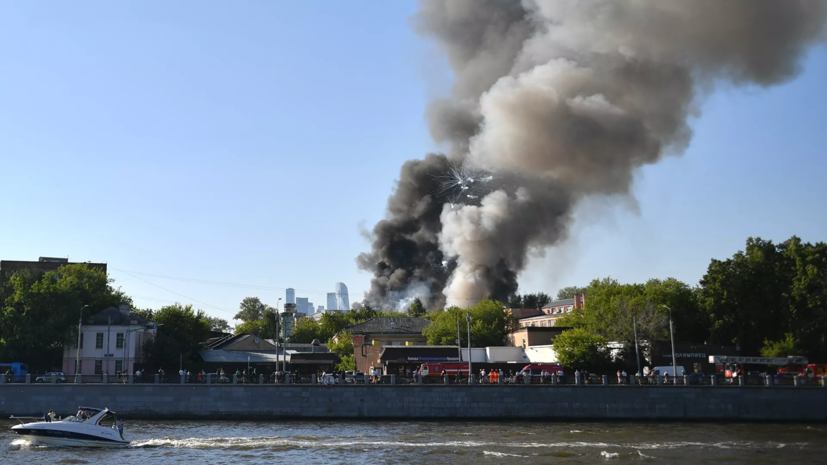 Заммэра Москвы рассказал о пострадавших при пожаре на складе пиротехники