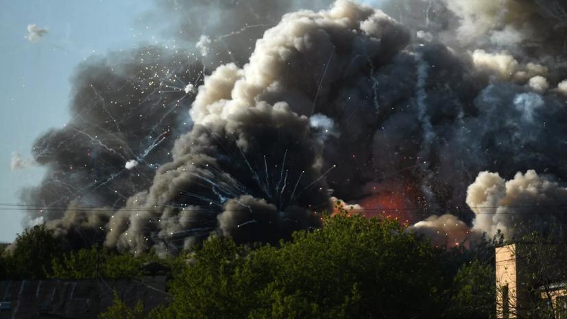 В Москве ликвидировали открытое горениена складе пиротехники
