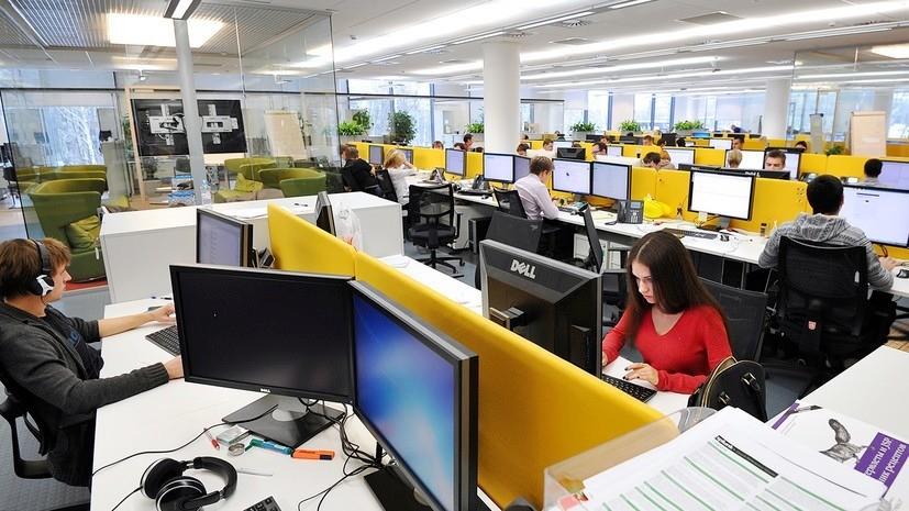 Роспотребнадзор рекомендовал сократить рабочие часы из-за жары