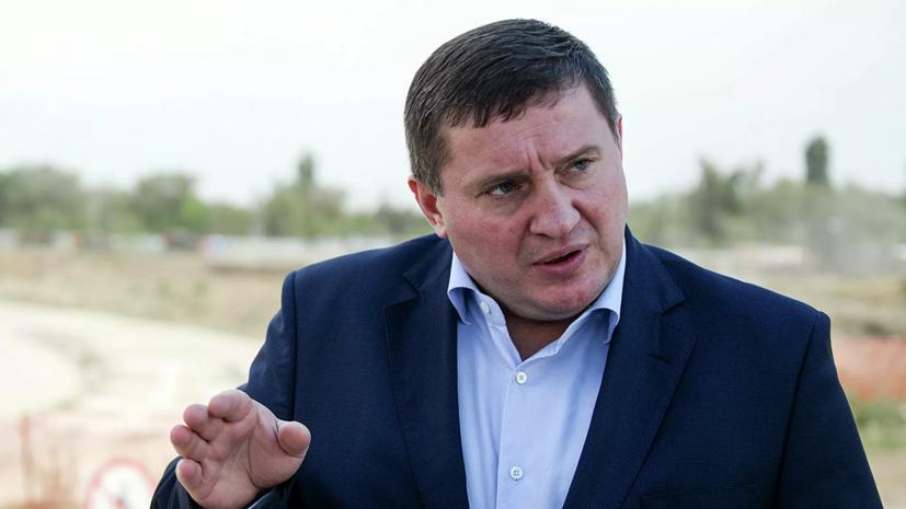 Губернатор Волгоградской области ревакцинировался от коронавируса