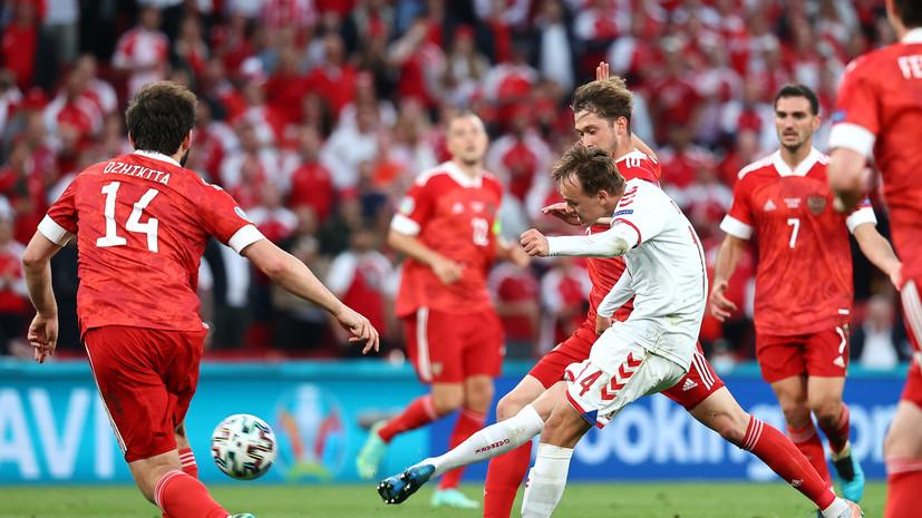 Россия била по воротам чаще Дании в первом тайме матча Евро-2020