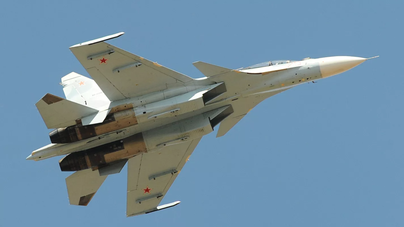 Су-30СМ сопроводил самолёт-разведчик США над Охотским морем