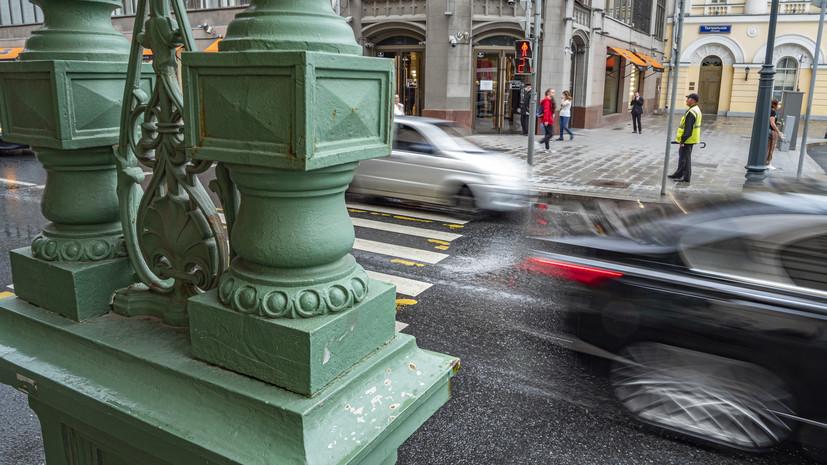 Автоэксперт напомнил о мерах безопасности при езде в дождливую погоду