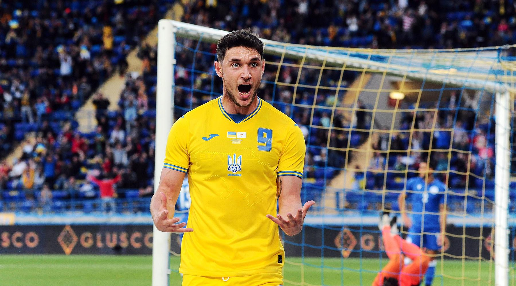 «Посмотрели, посмеялись»: как в Крыму прокомментировали новую форму украинской футбольной сборной2