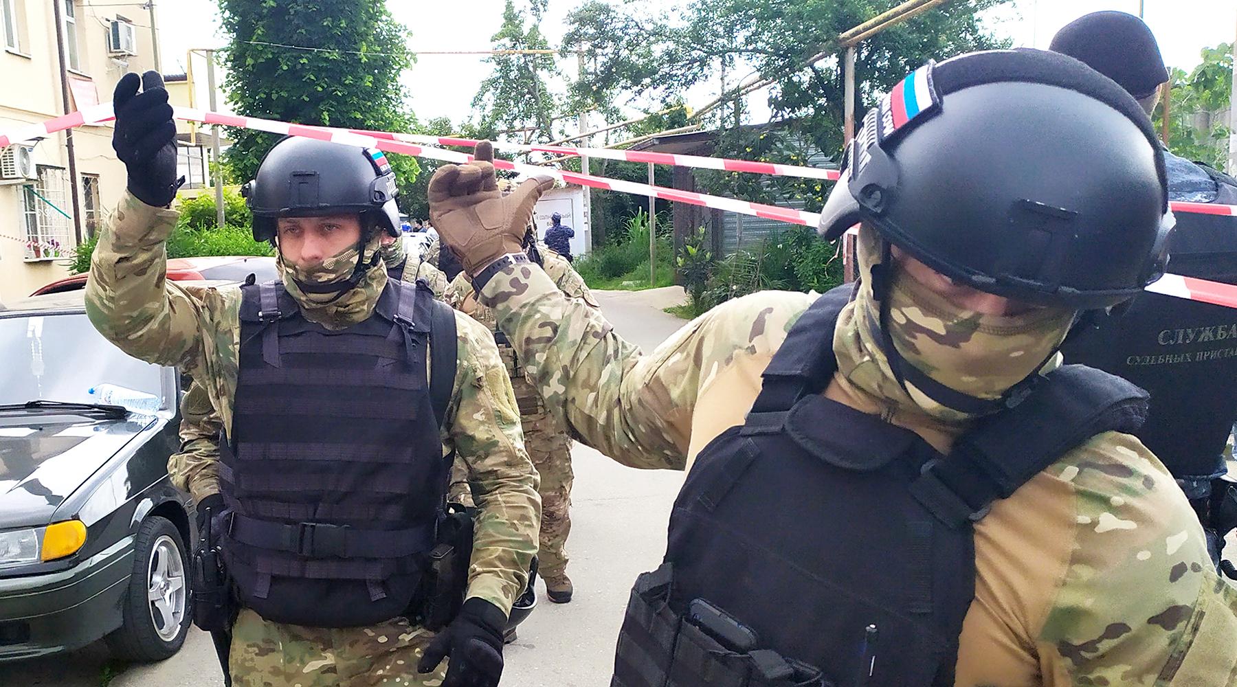«Не раскаялся»: суд арестовал открывшего огонь по приставам жителя Сочи до 9 августа2