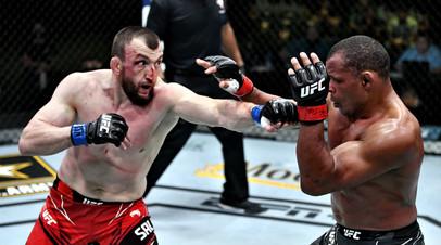 Бойцы UFC Муслим Салихов и Франсиско Триналдо