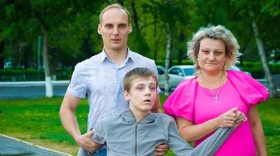 Отец-одиночка об отказе отдать сына с инвалидностью в интернат и долгах за ЖКУ