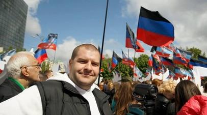 Уроженцу Донецка оформили паспорт РФ, но отказали во въезде в Россию