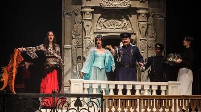 Мечта реализовалась: Бузова выступила на сцене МХАТа