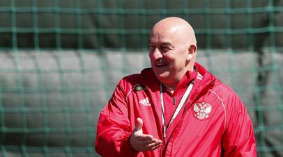 Черчесов объяснил, почему произвёл обратную замену Черышева в матче с Бельгией
