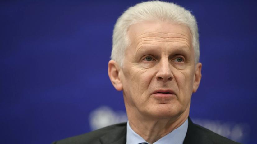 Путин продлил срок госслужбы помощнику президента Фурсенко