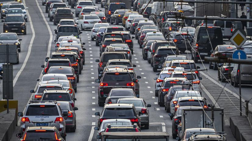 Автоэксперт прокомментировал ситуацию на рынке автомобилей в России