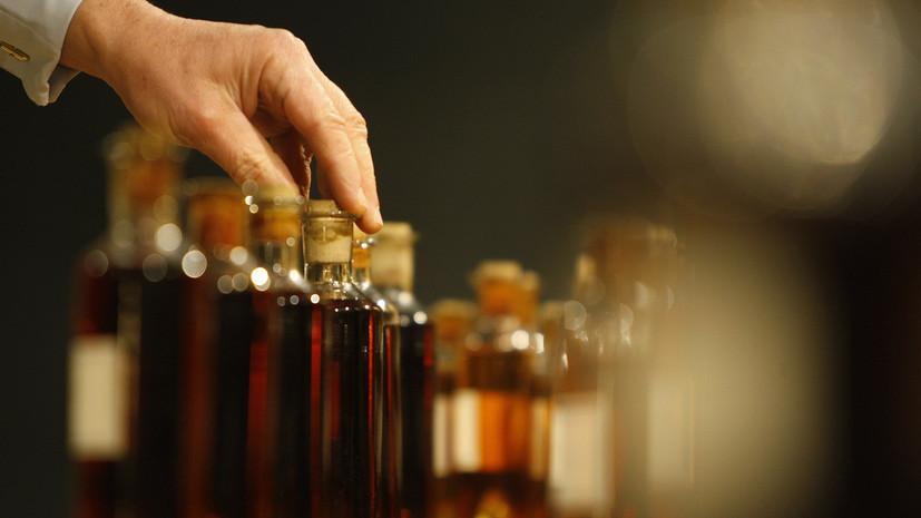 РБК: Moet Hennessy остановил поставки шампанского в Россию