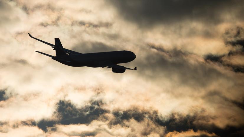 В Азербайджане пассажирский самолёт вынужденно сел в Баку
