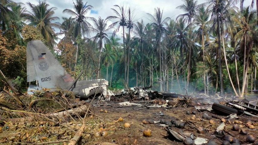 Число жертв крушения филиппинского военного самолёта возросло до 29