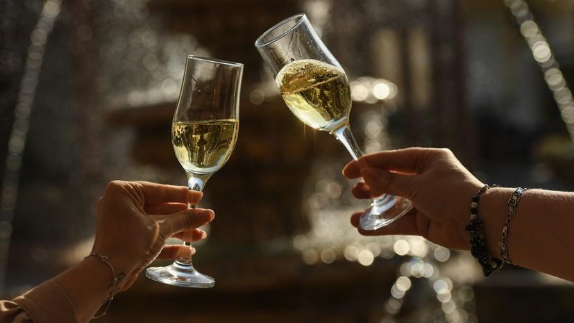 На фоне законодательных изменений: в Moët Hennessy заявили о приостановке поставок шампанского в Россию