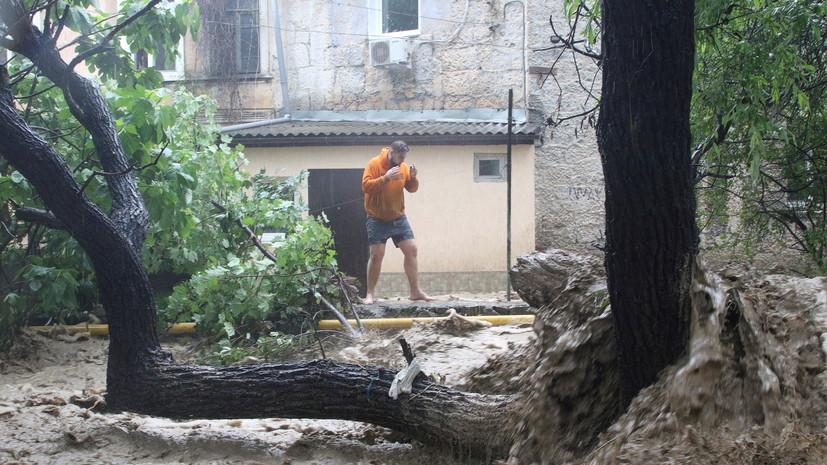 МЧС предупредило о ветре и сильных ливнях в Крыму