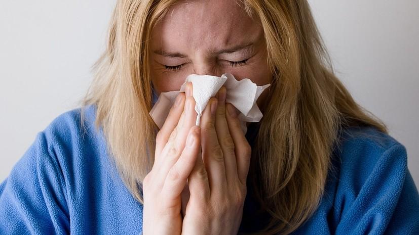 Врач назвала возможные причины частого чихания