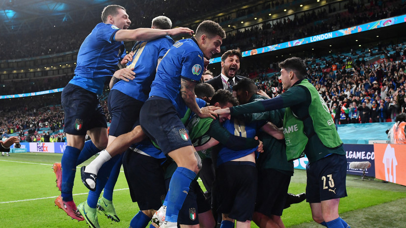 Сборная Италии по футболу продлила беспроигрышную серию до 33 матчей