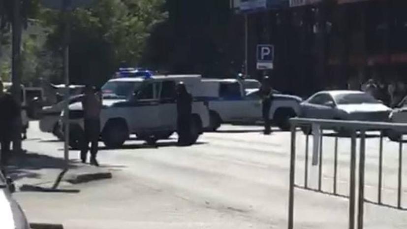В отделении Сбербанка в Тюмени три человека взяты в заложники