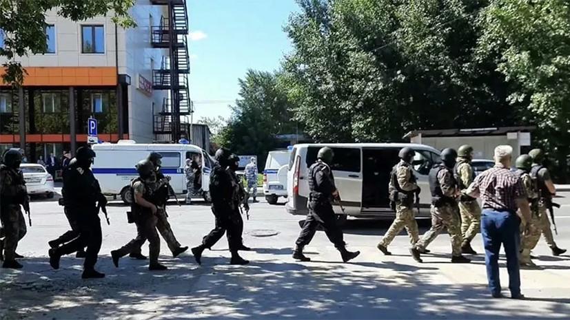 В результате действий полиции, ФСБ и Росгвардии: в Тюмени задержали захватившего отделение банка мужчину