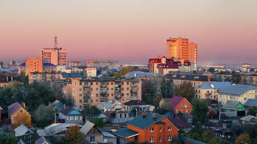 Власти Оренбургской области поздравили жителей с Днём семьи, любви и верности