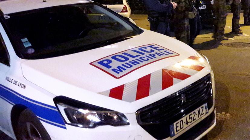 Franceinfo: во Франции умер получивший ножевые ранения мужчина