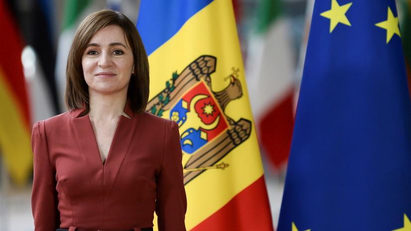 Президент Молдавии проголосовала на досрочных парламентских выборах