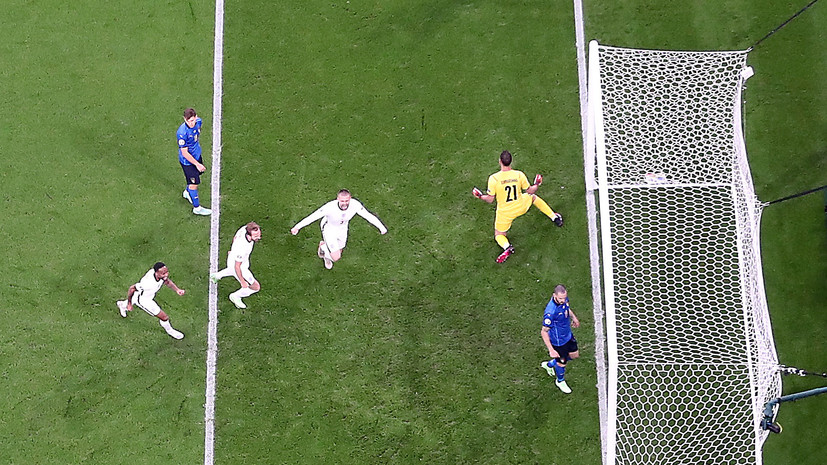В финале Евро-2020 Шоу забил первый мяч за сборную Англии