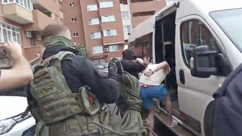 В Иркутске возбудили дело против мужчины, угрожавшего сбросить ребёнка с балкона