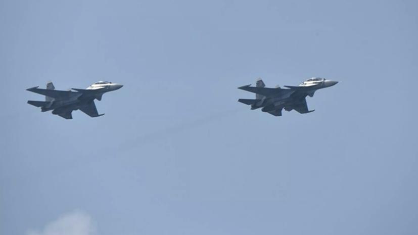 МиГ-31 и Су-35 сопроводили стратегические бомбардировщики США над Беринговым морем